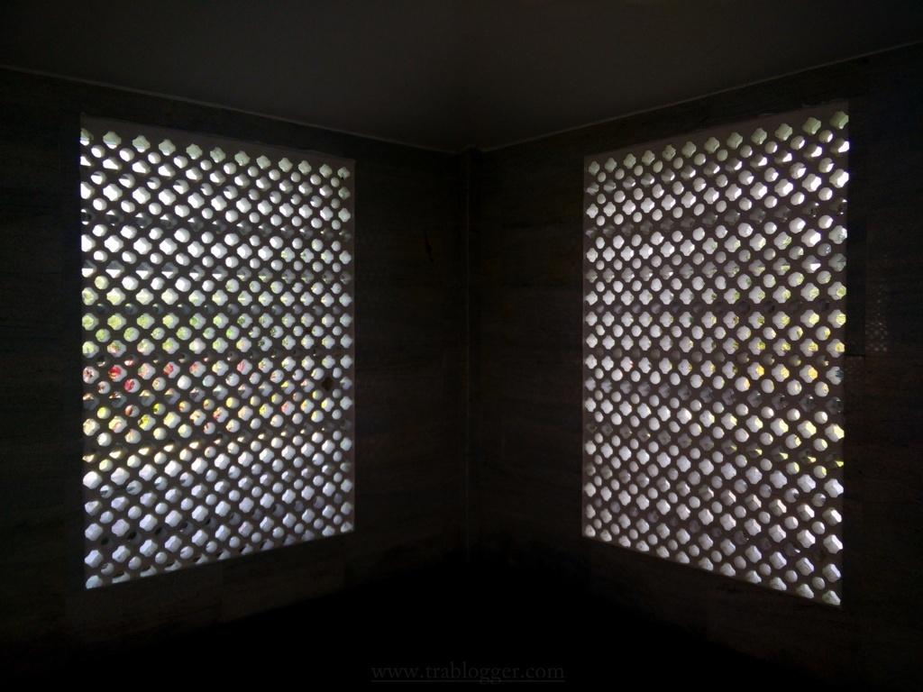 Window symmetry