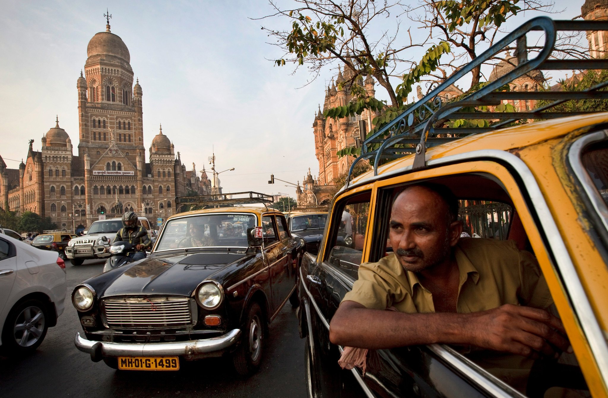 mumbai taxi Credits : Kuni Takahashi for The New York Times