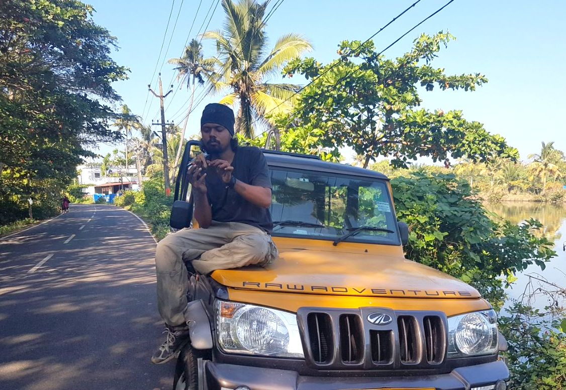 jithin aka trablogger searching best travel job in the world