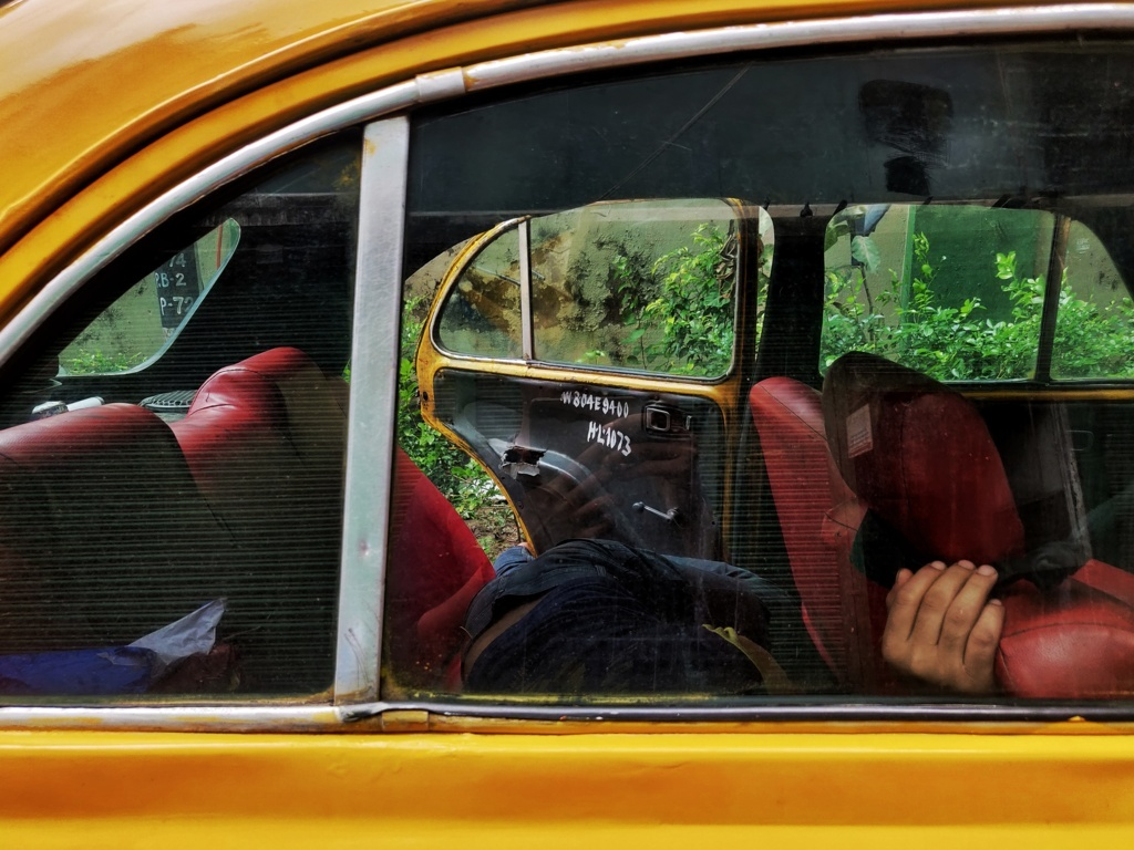 Trabloggers kolkata street photography kolkata yellow ambassador