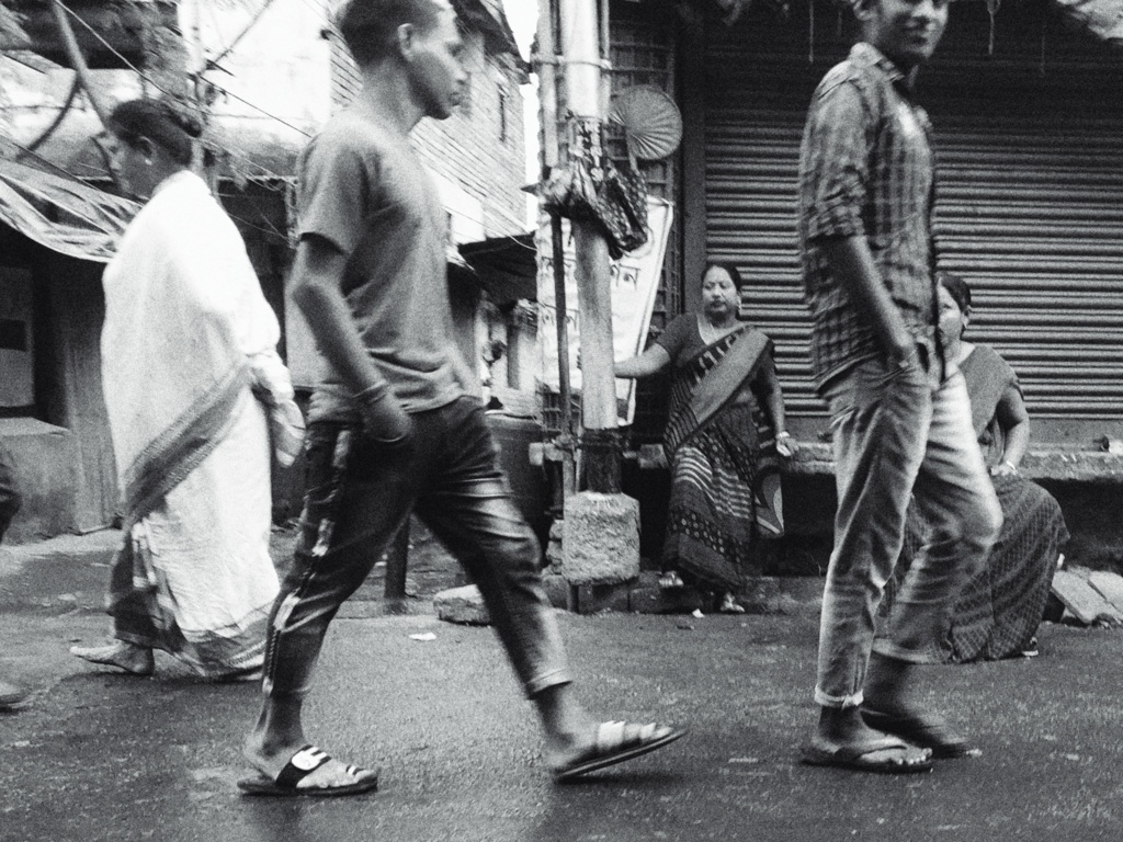Trabloggers_ kolkata street photography black and white life