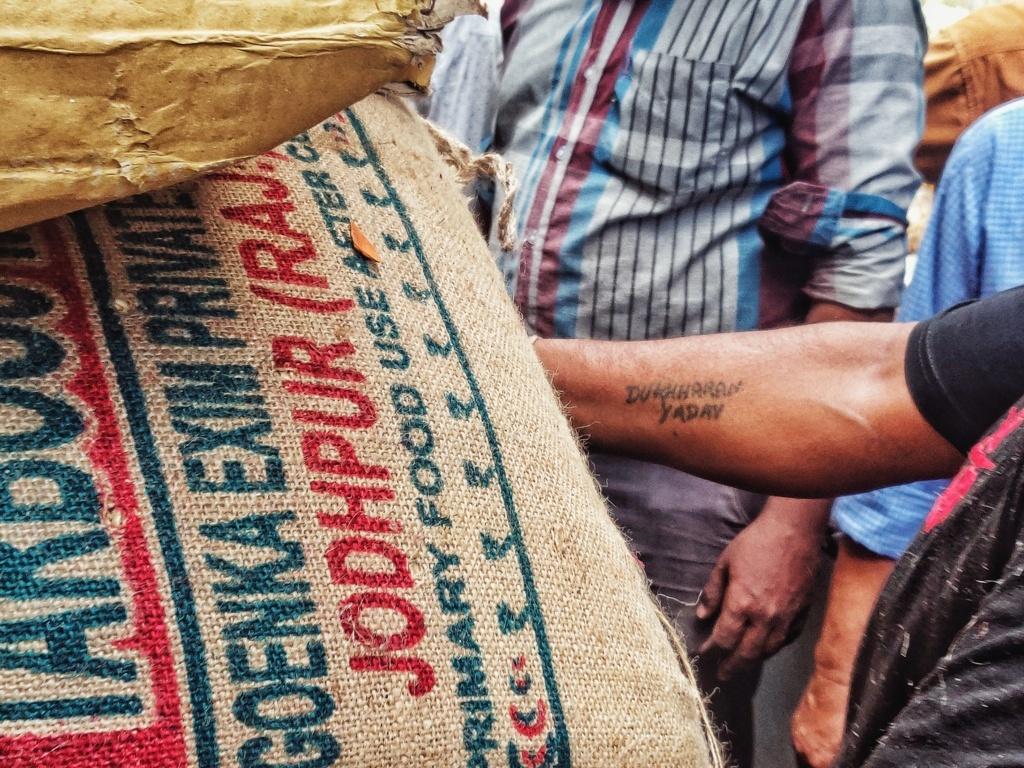 Trabloggers_ kolkata street photography tattooed man