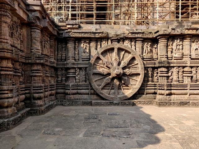 Konark sun temple stone carvings
